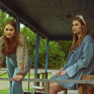 Render Sisters